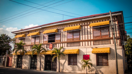 Camiña Balay na Bato: History and Gastronomy of Iloilo