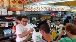Roberto's: Palace of The Queen Siopao